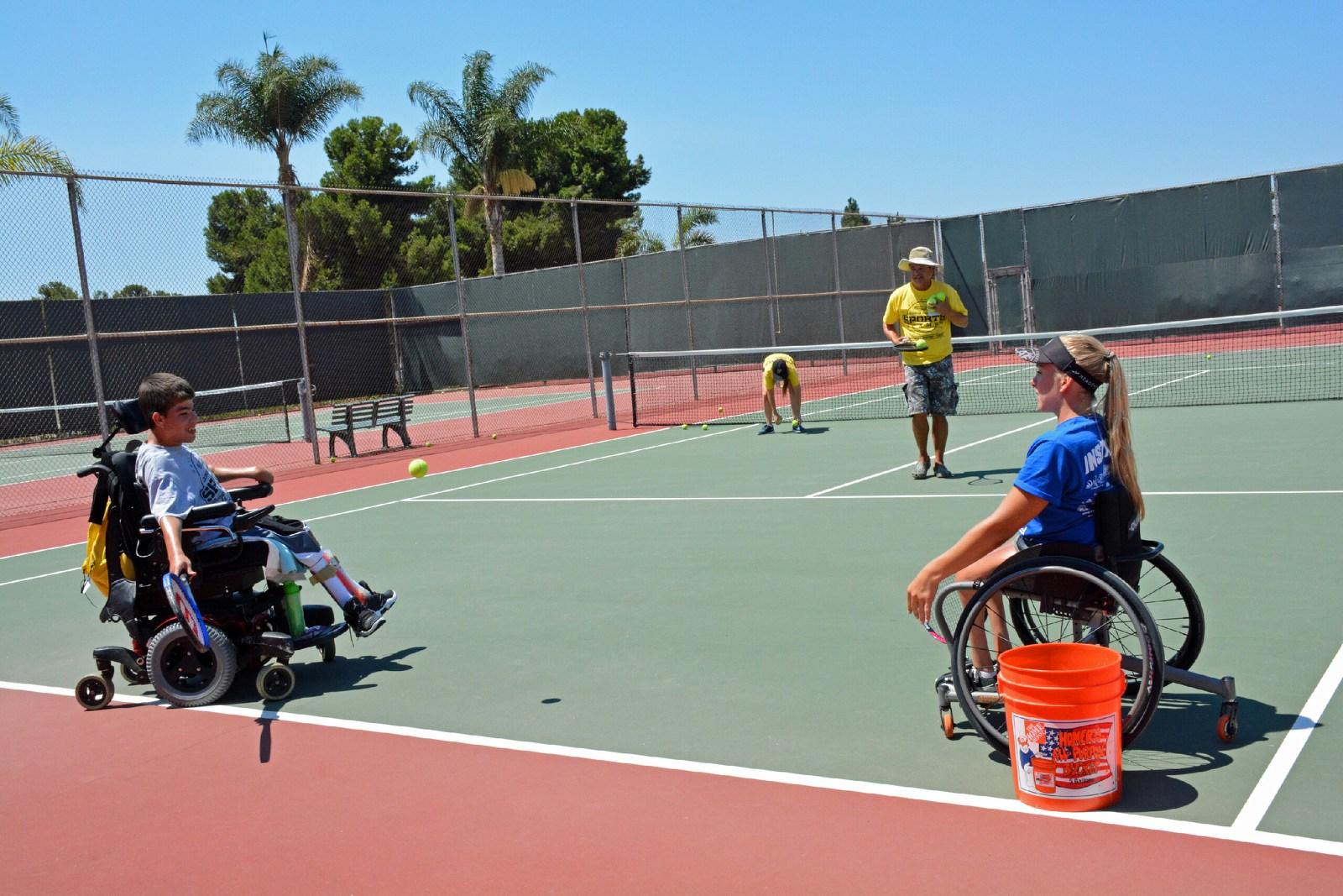 Tennis-community lauren